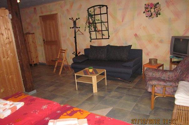 gaestezimmer-wohnbereich-klein